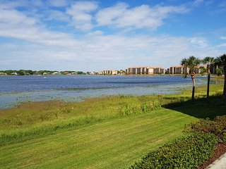 WESTGATE LAKES AND SPA. LUXURY CONDO IN PRIME LOCATION