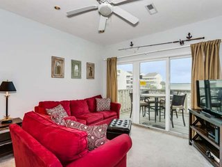 Private Balcony with Amazing Views of the Bay - Steps to the Bay and Gulf - Beau