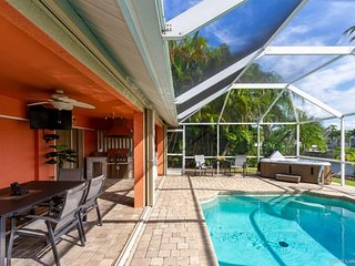 La Florida - with Pool and Spa - Just Remodelt
