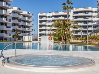 Stunning apartment in Los Arenales del Sol w/ Outdoor swimming pool, Sauna and 2