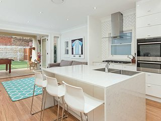 Bondi Summer Home H381