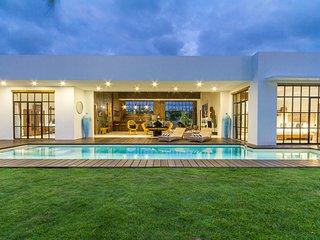DESIGNED BRAND NEW 3 BR villa w/ Ricefield view