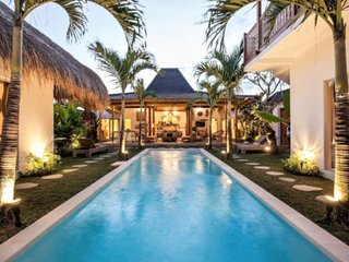 ✯NEW VILLA✯ 5BR Center Oberoi Seminyak Beach!