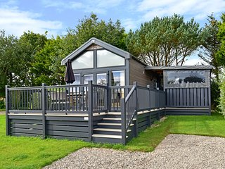 Ecclesgreig Holiday Park - Glamping Pod with Hot-Tub