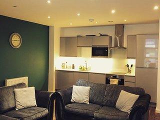 Large 2 bedroom apartment Sleep 7