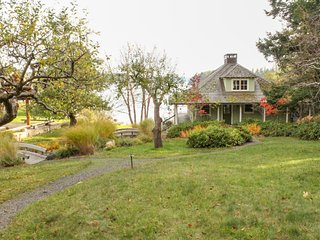 NEW LISTING! Waterfront & view home w/ deck, full kitchen & WiFi!