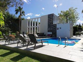 Contemporary elegant Villa in the Golf Valley, close to Puerto Banus