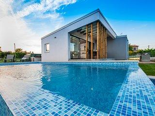 VILLA MARE ISTRA, pet-friendly, private pool, BBQ