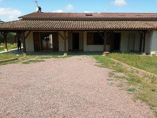 Villa de campagne au calme 140m2 avec piscines et jardin clôturé arboré pouvant