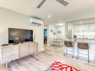 Beautifully remodeled oceanfront home w/ a full kitchen, lanai, & shared pool