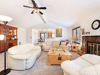 Perfectly Appointed Home Near Golf, Tennis & 24 Miles to Aspen! REDUCED RATES!