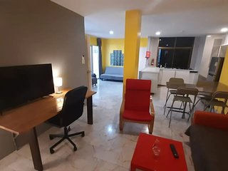 3 bedroom family apartment with free bicycles and NETFLIX