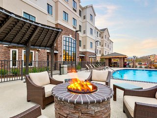 Accessible Unit | Outdoor Pool + Business Center | Close to Texas A&M