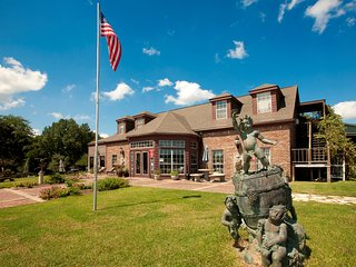 Close to Texas A&M University! | Business Center, Fitness Center + Outdoor Pool
