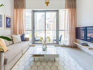 Flashy & Vibrant 1BR Apartment in Dubai Marina!