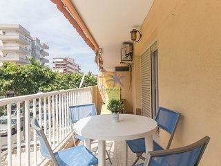 Apartment for 6 pers. in the center of salou