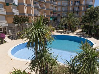 Luminous apartment for 6 pax. with pool in the center of Salou