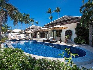 Blossom Dew Villa B | 3 Bed Beachfront Villa in Samui