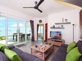 Interstellar Beachfront Villa B   Samui 2 Bed Villa Maenam