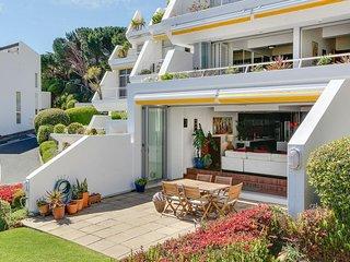 Split-level Apartment for a Comfortable Seaside Getaway