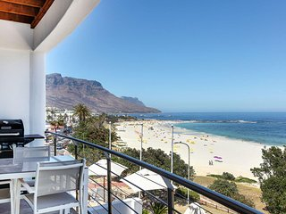 Pristine Beachfront Apartment Ideal for 2 Guests