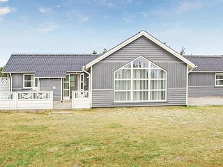 Amazing home in Blåvand w/ WiFi and 4 Bedrooms (P32229)