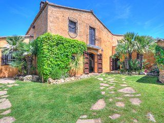 MASIA CAL MINGO calm, private gardens, set in pure nature with pool near Sitges