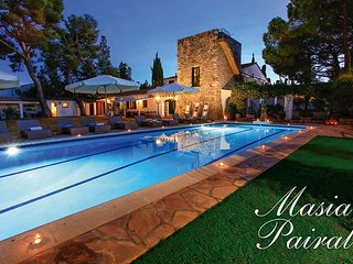MASIA PAIRAL rustic residential, sleeps 22 (24 with extra beds), near Sitges BCN