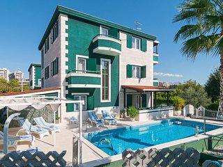 Nice home in Split w/ Sauna, WiFi and 7 Bedrooms (CDT296)