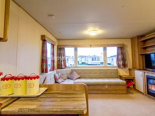 8 berth caravan for hire at Haven Caister Holiday Park in Norfolk ref 30044H
