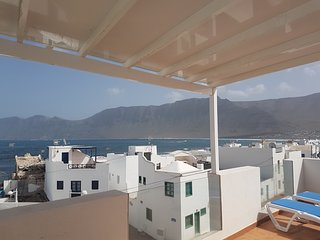 House - 2 Bedrooms with Sea views - 107940