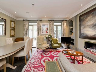 Luxurious 4-Bed House in Belgravia, 1 Min to Tube