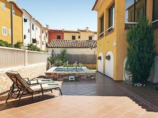 Nice home in Playa de Oliva w/ 3 Bedrooms