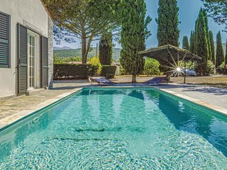 Amazing home in St Florent with WiFi and 5 Bedrooms (FKO353)