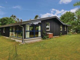 Beautiful home in Glesborg w/ 3 Bedrooms (E5201)