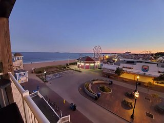EXCEPTIONAL! LUXURY BEACHFRONT CONDO Best Location! Pier & Palace Playland