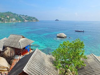 Peaceful seaview bungalow Koh Tao Snorkeling and relaxing paradise Sharkbay