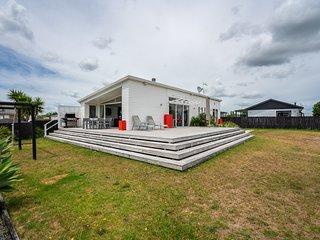 Relaxation Station - Mangawhai Heads Holiday Home