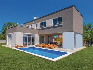 Stunning home in Kozino w/ Outdoor swimming pool, WiFi and 3 Bedrooms
