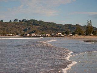 Peek of the Sea - Whitianga Holiday Home