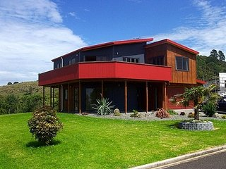 Mayor View - Waihi Beach Holiday Home