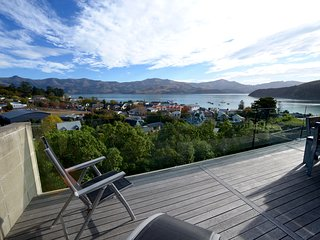 Walnut Retreat - Akaroa Holiday House