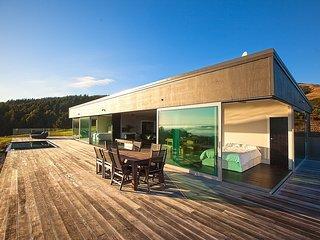 The Glass House - Raglan Luxury