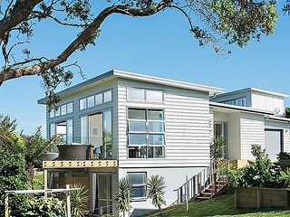Aqua Blue - Waihi Beach Holiday Home