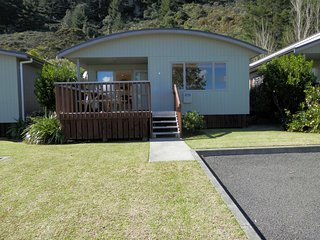 Three Doors Down - Matarangi Holiday Home