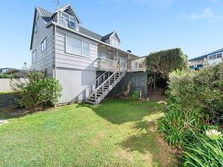 Laze on Loop - Waihi Beach Holiday Home