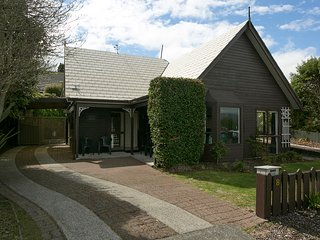 Great Lake on Gillies - Taupo Holiday Home