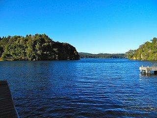 Lakeside Villa - Lake Rotoiti Holiday Home