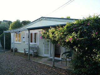 Surfdale Stay - Surfdale Holiday Home