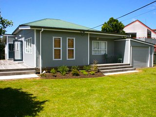 Matapouri Cottage - Matapouri Holiday Home